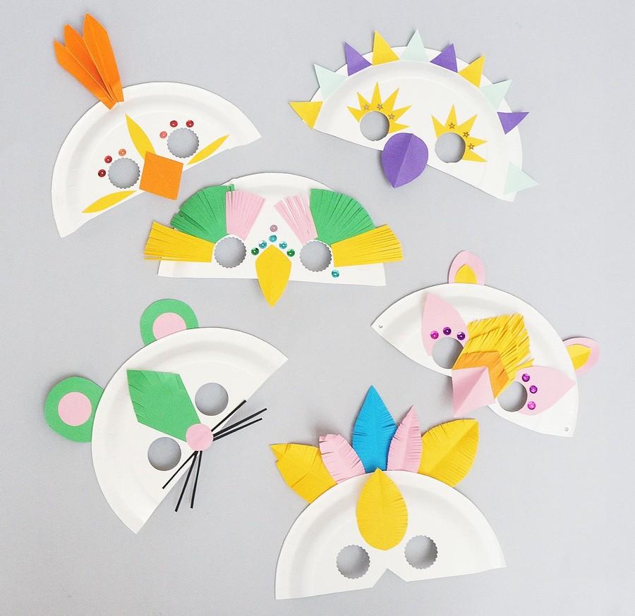 Workshop med lekfulla masker av papperstallrikar