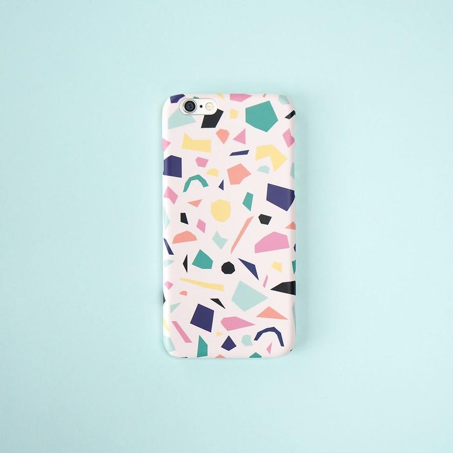 Färgglatt konfettimönster mobilskal