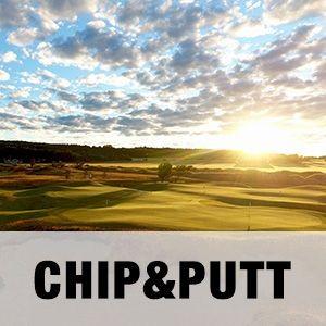 """En bild på Chip & Putt-området på Halmstad Golfarena med texten """"CHIP&PUTT""""."""