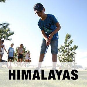 """En bild på äventyrsgolfen Himalayas på Halmstad Golfarena med texten """"HIMALAYAS""""."""