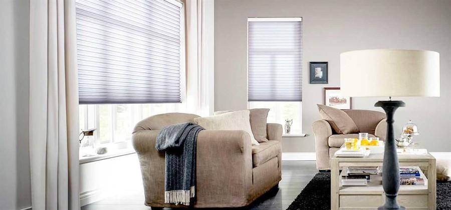 Plisséer och duetter är ett smart och snyggt alternativ till persienner och andra solskydd. Produkten passar till nästan alla typer av fönster och är både diskret och stilig samtidigt som den är funktionell. Ekerömarkisen erbjuder en mängd olika reglagetyper och vävar, bland annat mörkläggande. Vävarna är dessutom fukt- och smutsavvisande och passar såväl udda fönsterformer som stora panoramafönster – ingen annan gardin har så här stora möjligheter.