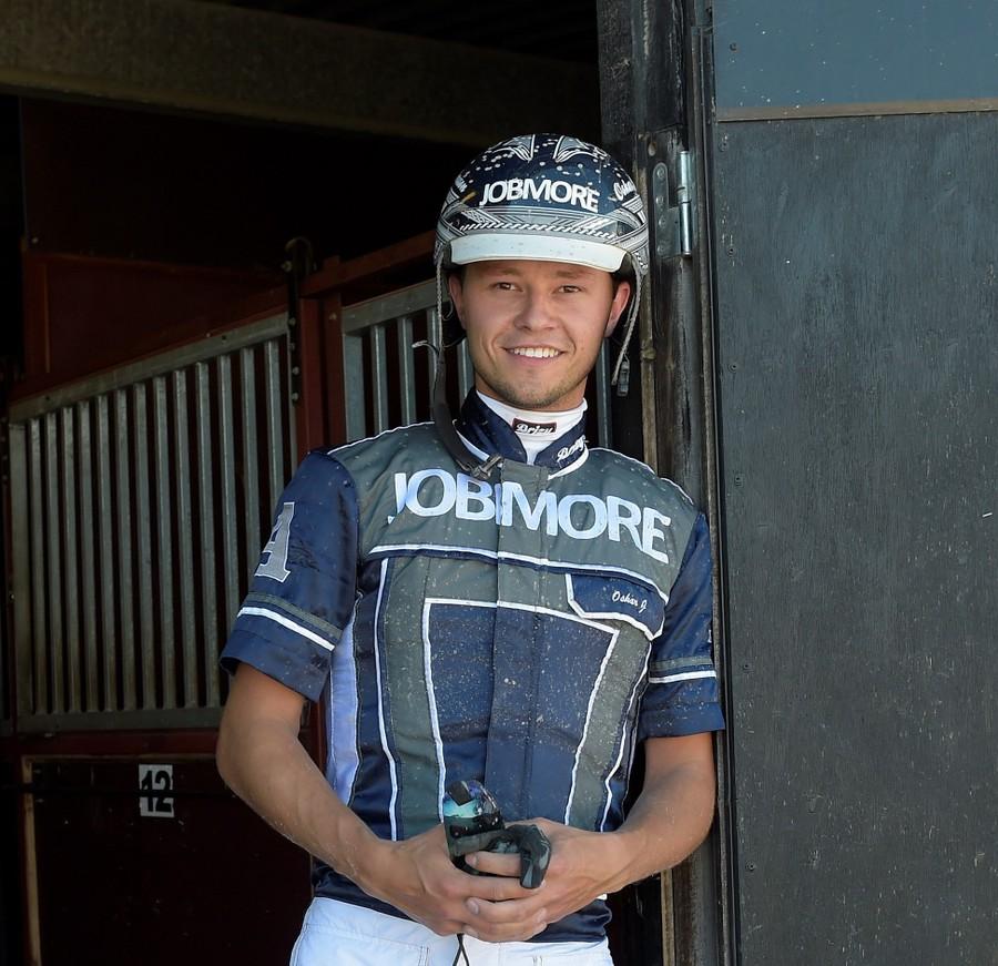 Oskar J Andersson är travtränare och driver OJA Racing i Sala.