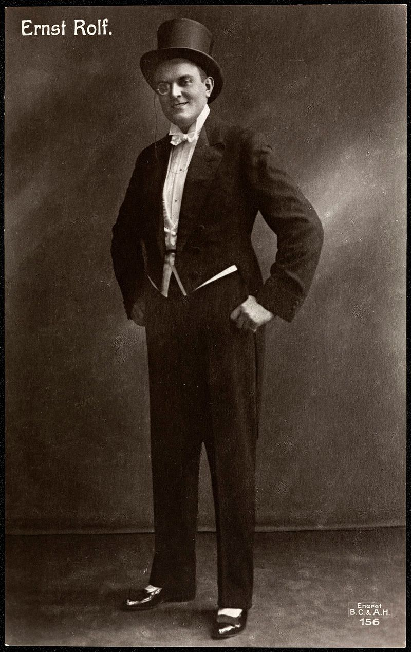 Ernst Rolf som revycharmör.