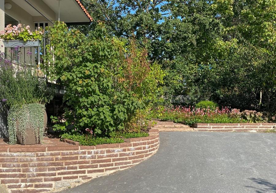 trädgårdsdesign trädgårdsarkitekt wägerth ölandssten mur plantering