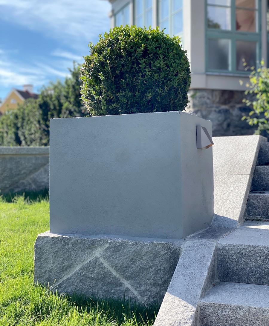 Wägerths Trädgårdsdesign trädgårdsarkitekt trädgårdsidé ny trädgård stenmur bohusgranit stenläggning stengång oregelbunden granit plantering gräsmatta klassisk villa buxbom