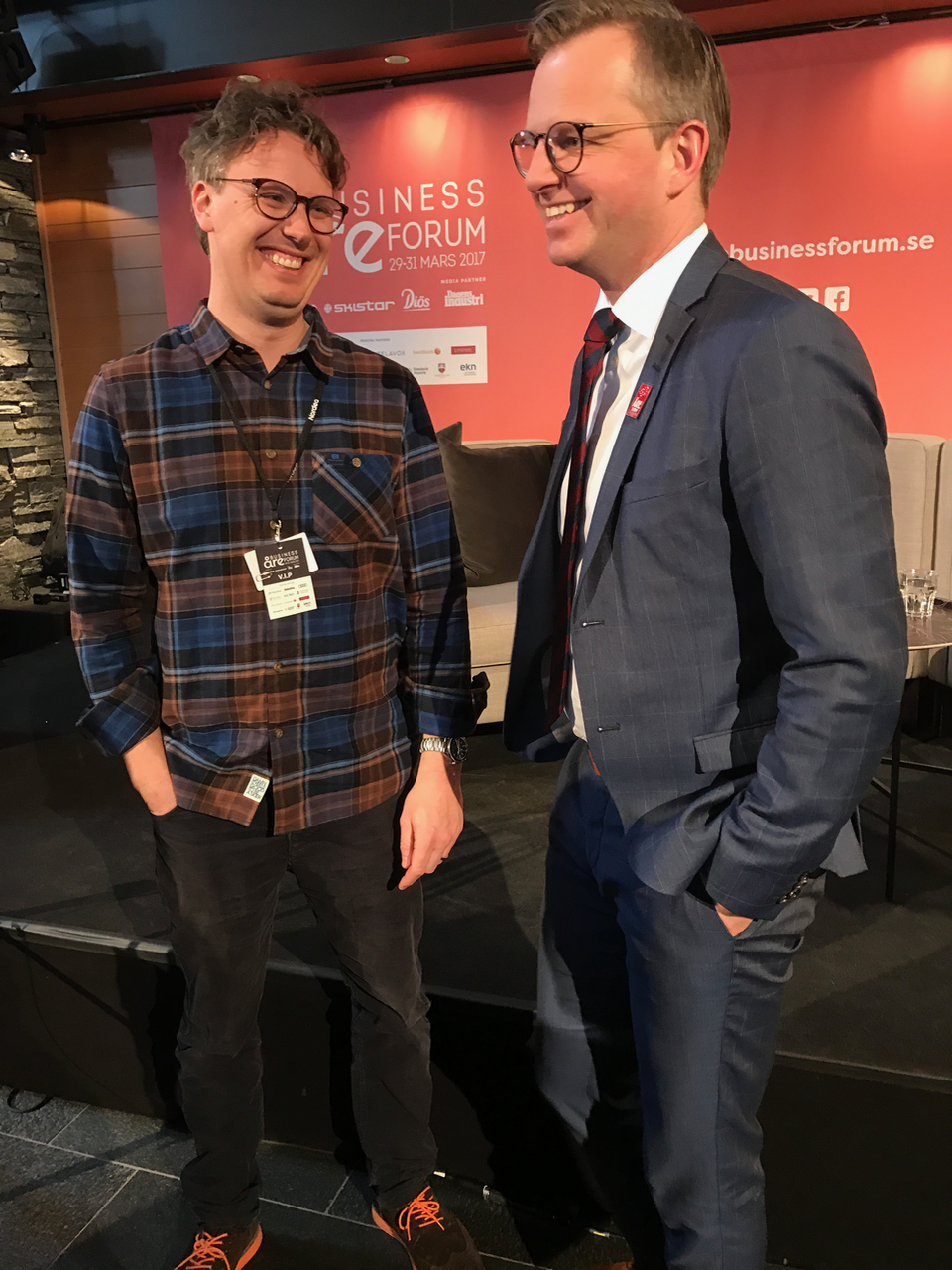 Co-Founder Andreas Eriksson trading glasses with Minister for Enterprise and Innovation Mikael Damberg (It's true, they've actually traded glasses). We call it exchanging visions...