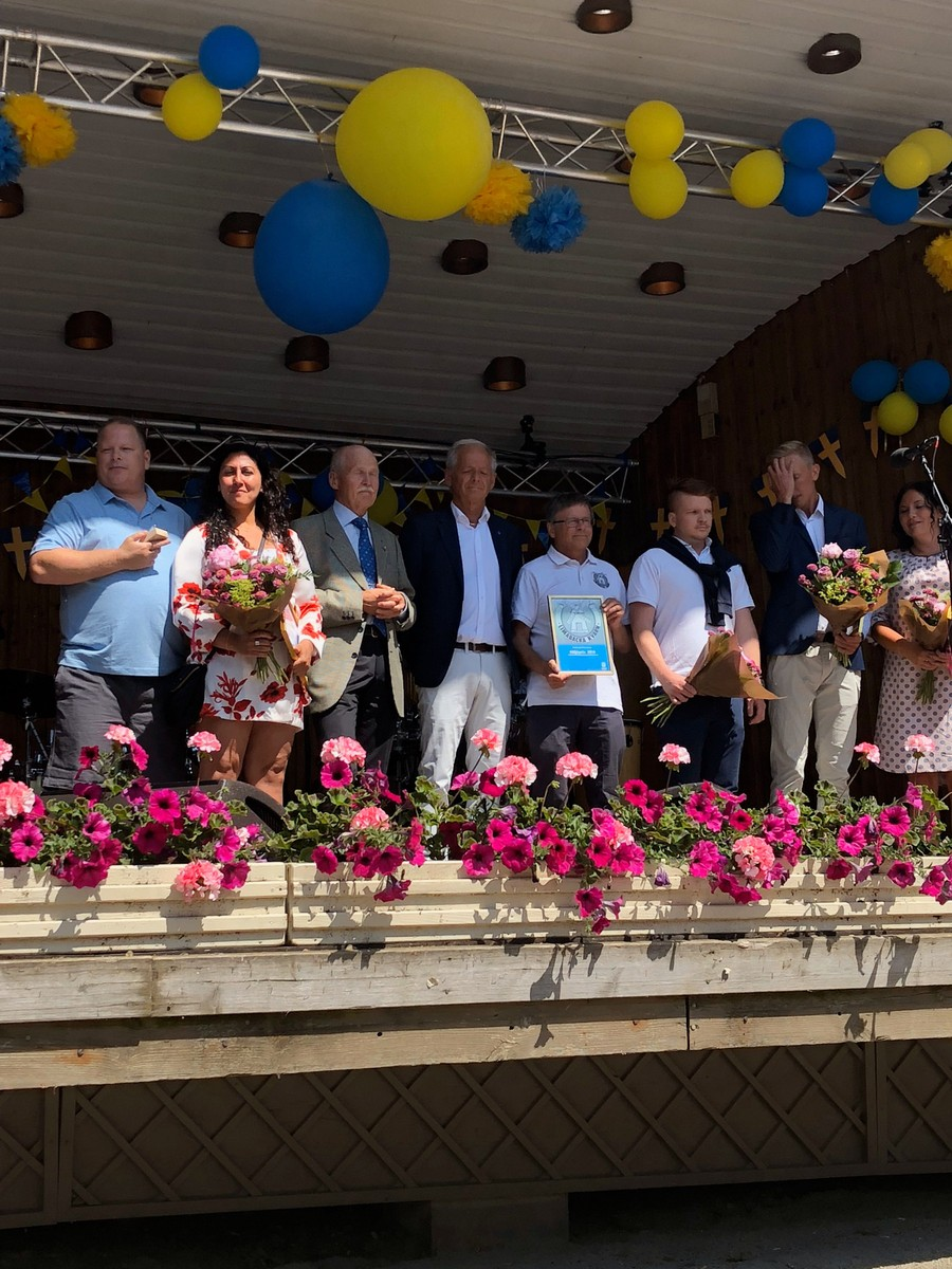 Patric & Jessica Axheden tar emot Hedersplakett 6 juni 2018 Varberg