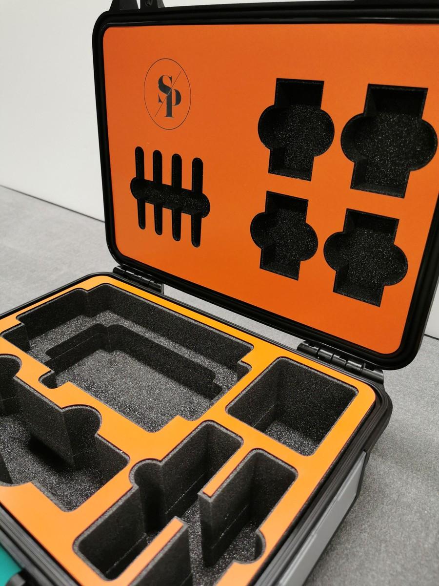 Skuminredningar med lasergravyr och panelframes erbjuds hos Norrpack.