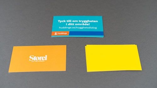 Tre sorters färgglada visitkort