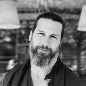 Björn har arbetat med e-handel sedan 1999 och är ett välkänt ansikte inom svensk e-handel. Han kommer närmast från Panagora Room där han, under de senaste 9 åren, har haft flertalet ledande positioner & uppdrag.