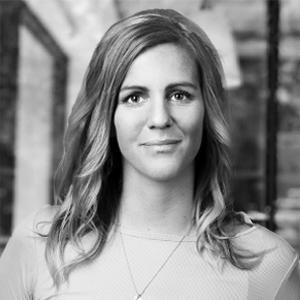 Emma kommer närmast från betalbolaget Klarna där hon arbetade som projektledare och knytpunkt mellan sälj- och marknadsavdelningarna, samt har varit ansvarig för eventarrangemang.